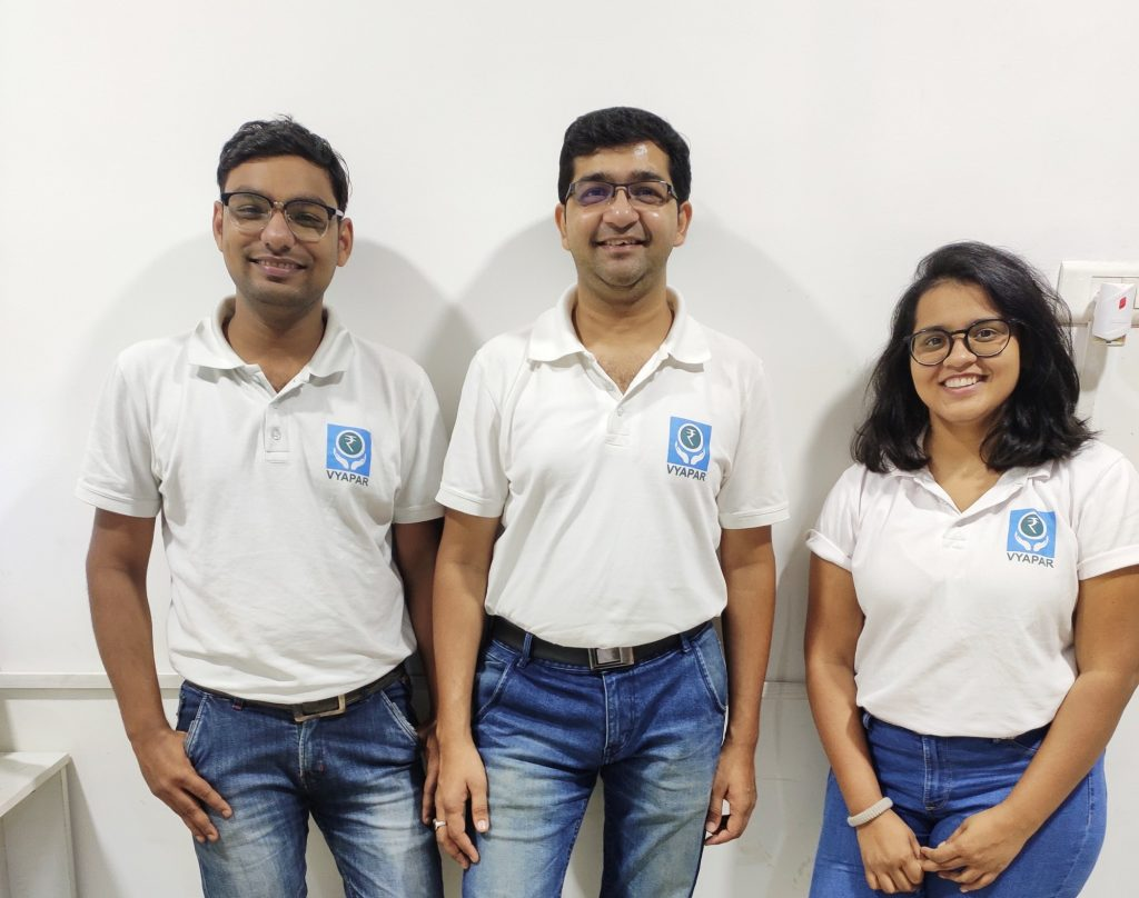 (L-R) Shubham Agarwal, Sumit Agarwal, and Ruqiya Irum, Founders, Vyapar Tech Solutions